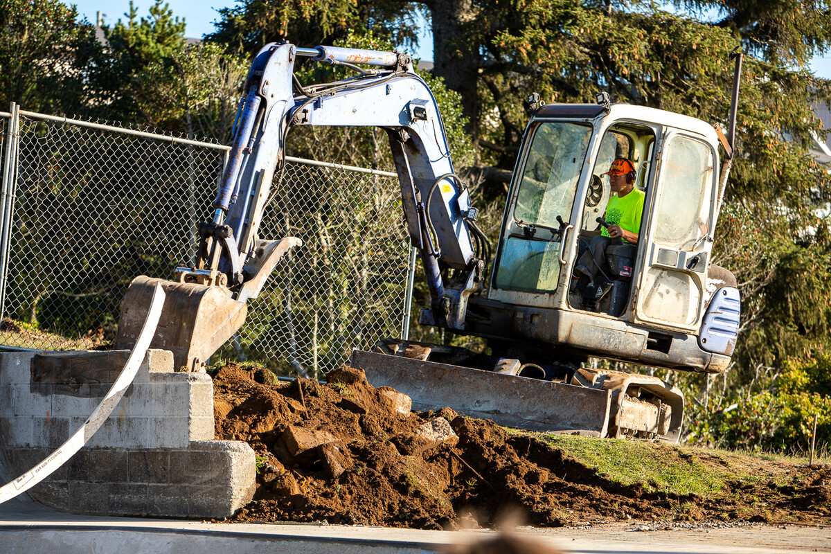 Dreamland Skateparks rolls in some big equipment to rip up the unfinished section of Newport Skatepark.